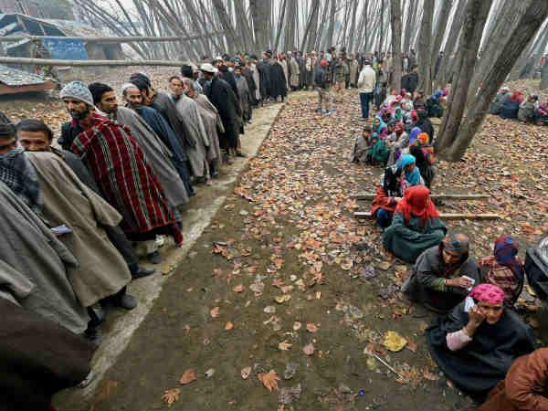 J&K: Modi shadow on 2nd phase polling
