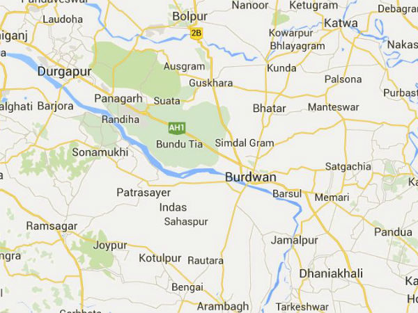 West Bengal: BJP-TMC clash in Burdwan village, RAF deployed.
