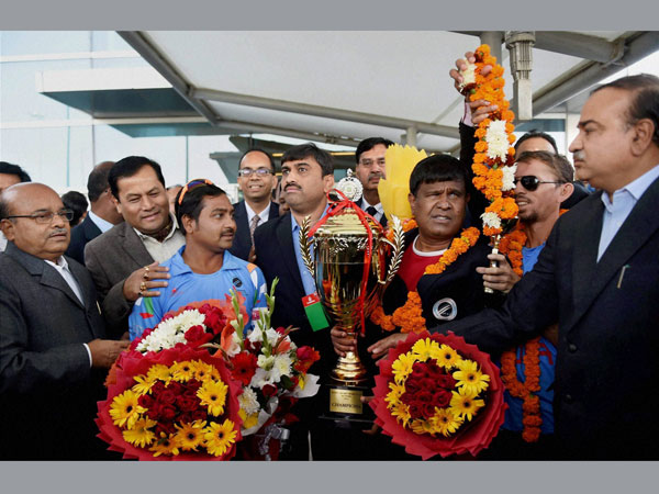Welcoming the Indian blind cricket team on their arrival