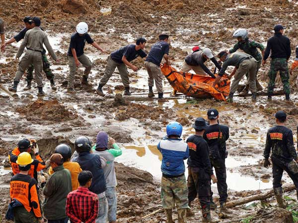100 missing in Indonesia landslides