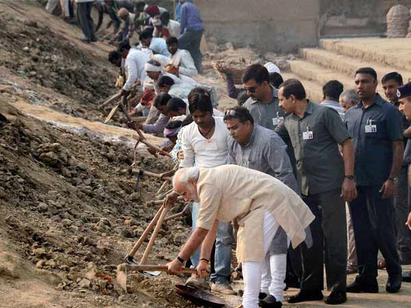 PM engaged in cleaning of ganga