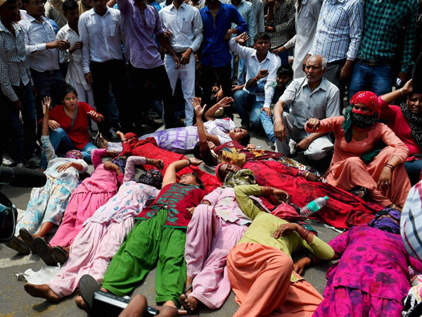 /india/child-raped-school-parents-protest-against-school-1484418.html