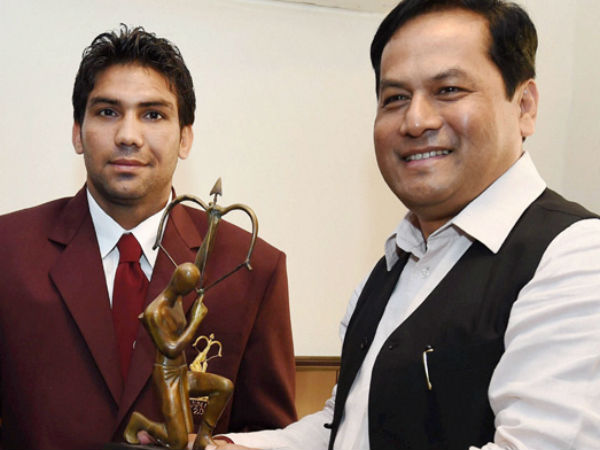 Denying Arjuna to boxer Manoj Kumar initially was mistake: Govt