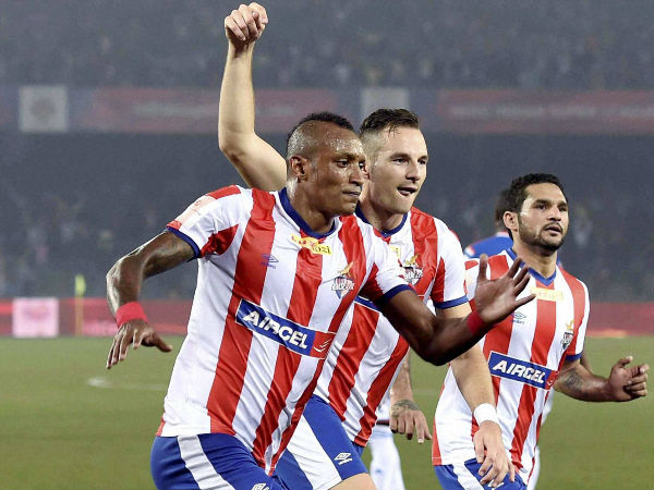 Kolkata players celebrating a goal during ISL