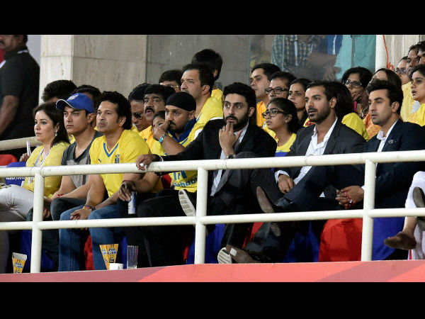 Anjali Tendulkar, actor Aamir Khan, Sachin Tendulkar, Harbhajan Singh, Abhishek Bachchan, John Abraham and Ranbir Kapoor watching the final