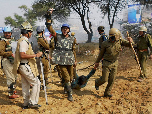Haryana: 6 security personnel arrested during raid on Rampal's ashram