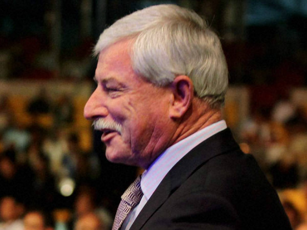 Richard Hadlee is against sledging