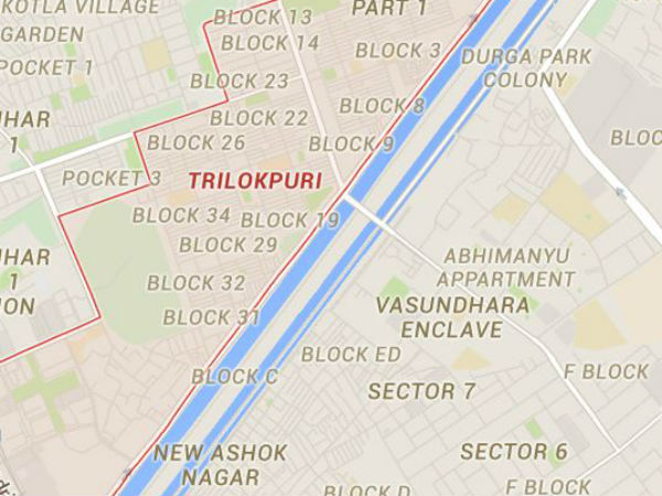 Delhi: Minor road accident triggers clash in Trilokpuri.