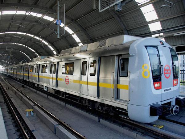 Ahead of polls, parties put up 3,000 ad panels in Delhi metro