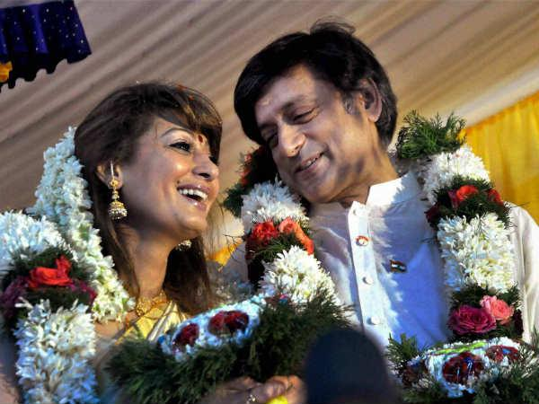 Shashi Tharoor with Sunanda Pushkar (file pic)