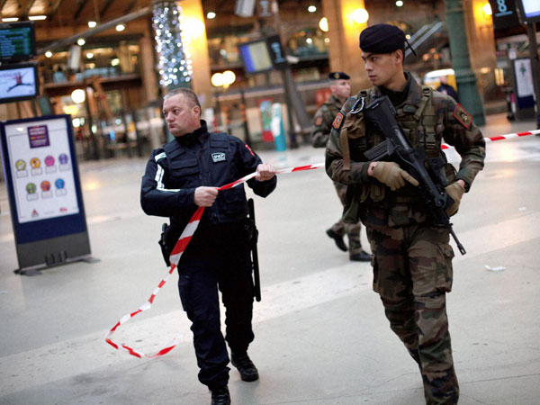 US alerts citizens post France attacks