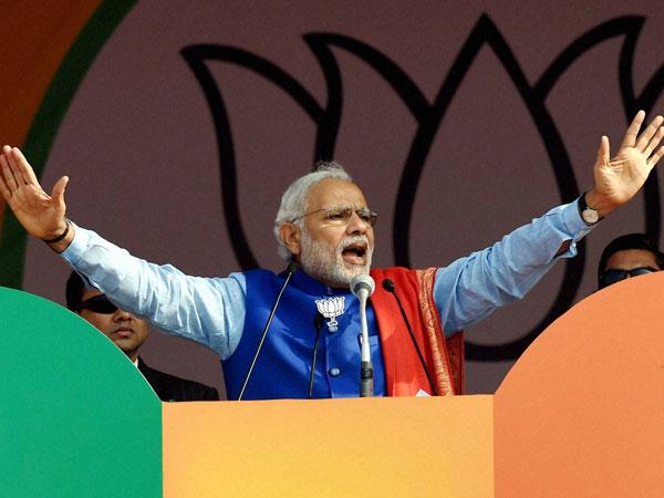 Don't want anarchists, PM Modi mocks Kejriwal at Delhi rally