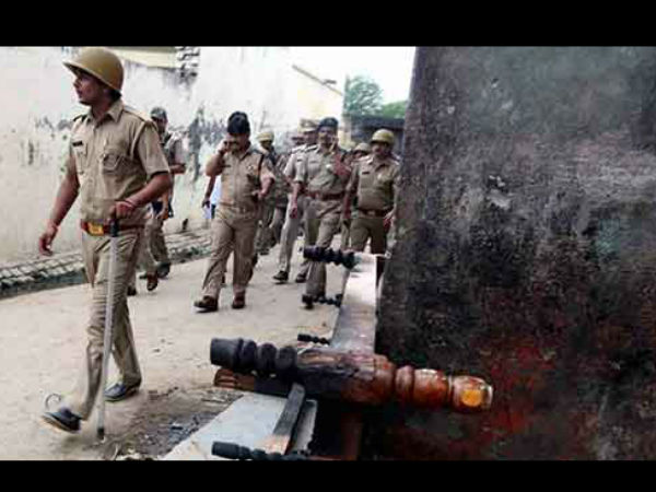 Six injured in communal clash in Maha