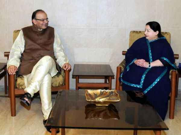 TN parties cry foul over Jaitley visiting Jaya.