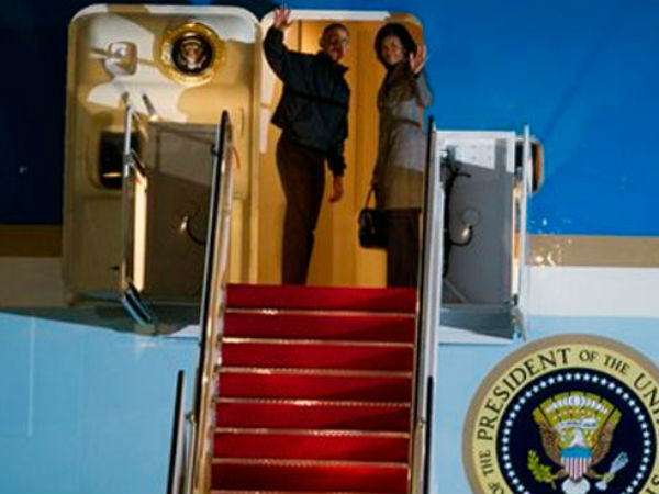 US President Obama leaves for India