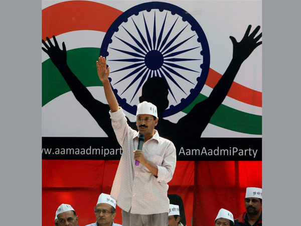 AAP lines up flash mob dances in Delhi