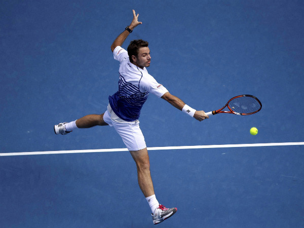Wawrinka powers into Australian Open semis