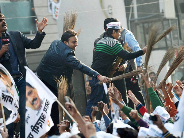 AAP victory: Intenet goes into frenzy