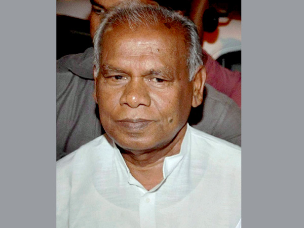 Manjhi virtually dangles the carrot of ministership for support.