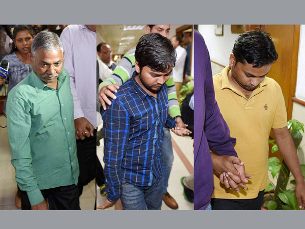 5 arrested for leaking govt documents