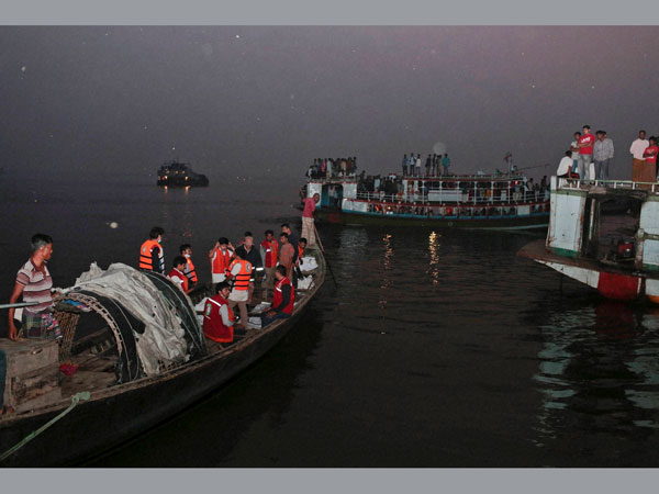 NDRF team rescues Bihar MLC, 6 others from capsized boat