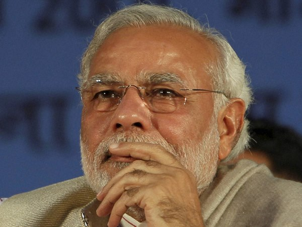 PM Modi asks MPs to defend land acquisition bill.