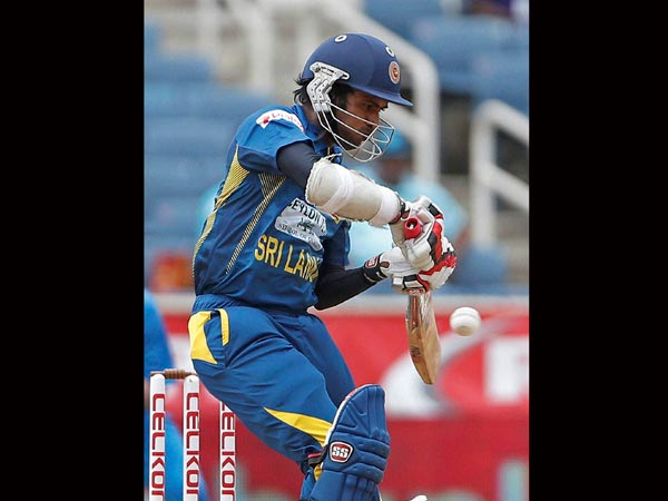 Tharanga comes in for Mendis