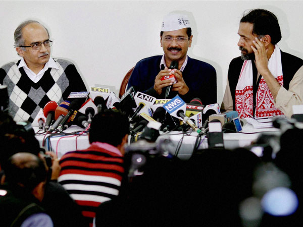 NRIs call for support in AAP