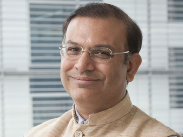Jayant Sinha happy with RBI's rate cut