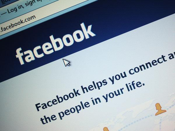 Facebook may help maintain long-distance relationships.