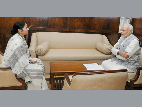 PM changes schedule to meet Mamata