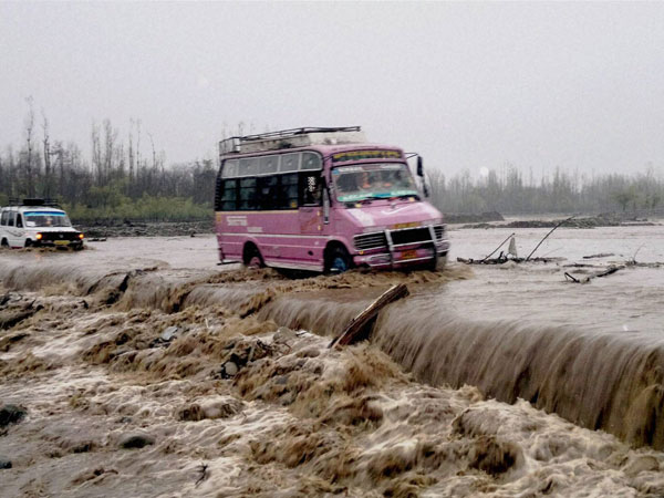 Kashmir flood: 15 feared dead