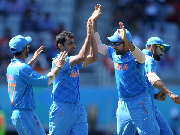 Mohammed Shami (centre) celebrates during World Cup 2015