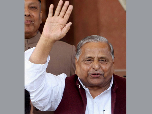Mulayam being treated for swine flu