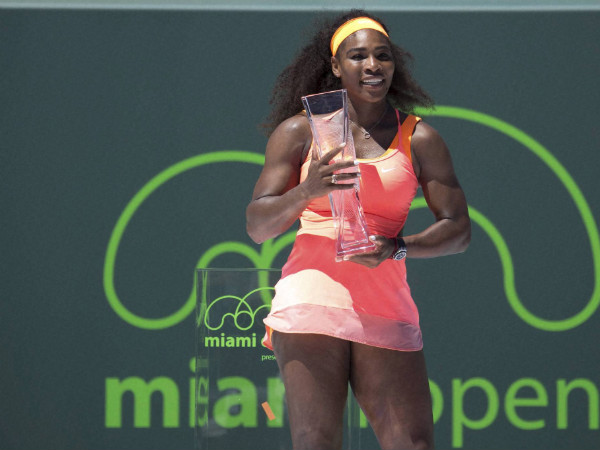 Serena Williams with Miami Open trophy