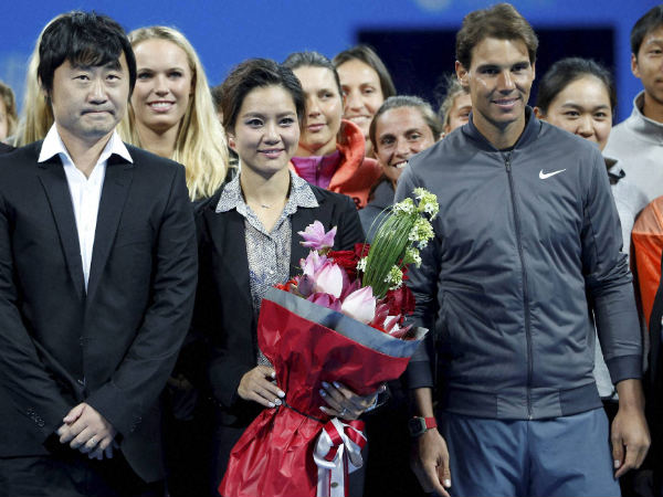 File picture of Li Na (centre)