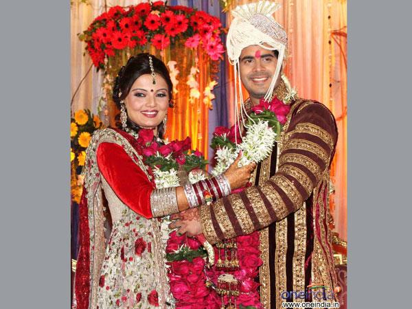 Actress Deepshikha Files Police Complaint Against Husband