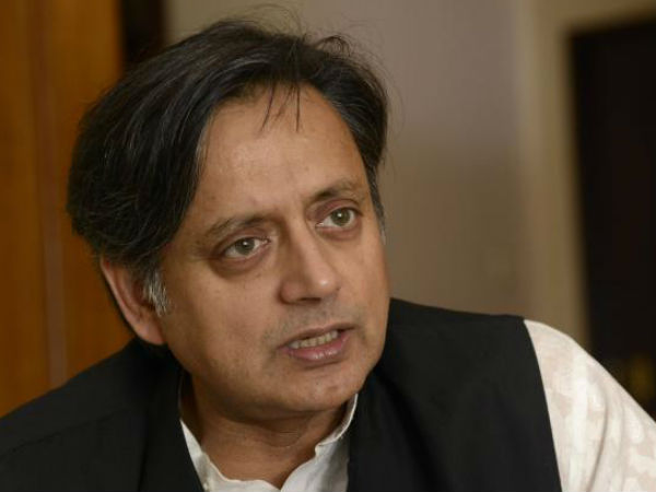 Tharoor lauds Obama for praising Modi