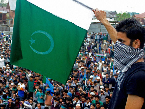 J&K:Masarat's supporters clash with cops