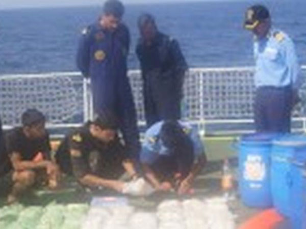 Pak boat was carrying 100 kg of heroine