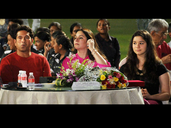 File photo: Sachin (left) with wife Anjali (centre) and daughter Sara
