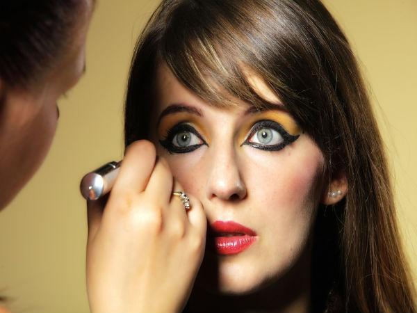 Beware! Applying eyeliner may cause vision problems.