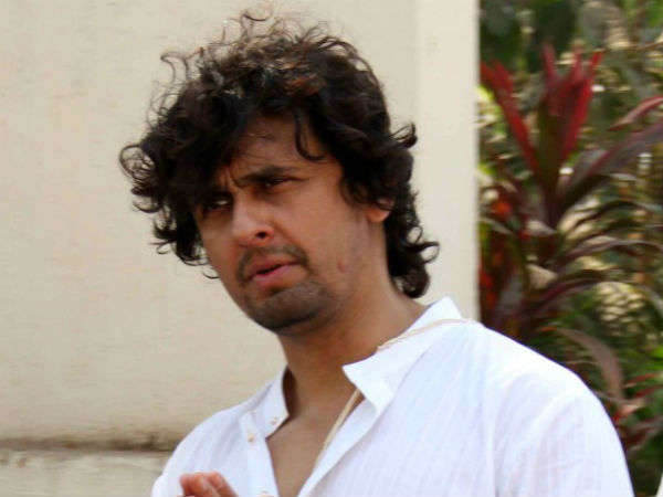 Sonu Nigam banned for supporting AAP leader Kumar Vishwas, twitterati stand by him.