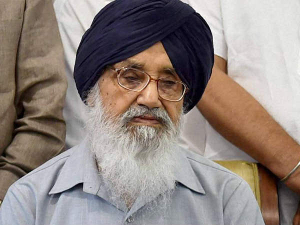 AAP leaders protest, burn effigies of Badal over Moga bus case.