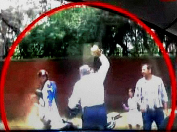 Delhi police constable was seen assaulting a woman