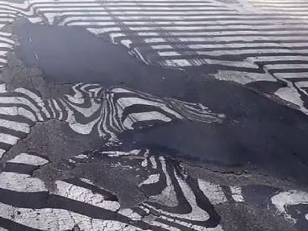 Delhi road melted due to heatwave