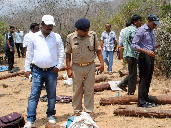 Red sandalwood smuggling: NHRC recommends CBI probe.