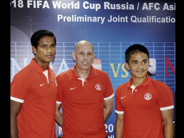 File photo: Stephen Constantine (centre), Head Coach of Indian Football Team with Subrata Pal (left) and Sunil Chhetri
