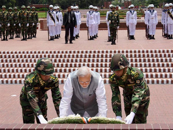 Modi lays a wreath at National Martyrs' Memorial in Dhaka