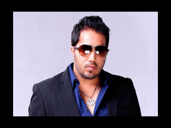 Delhi: Singer Mika Singh arrested for assaulting a doctor.